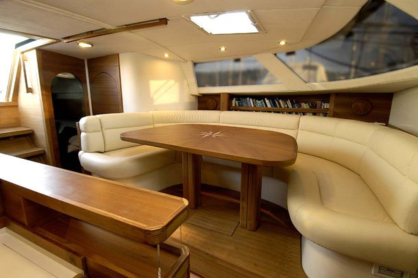 Cruiser racer boat for rent in Alcantara