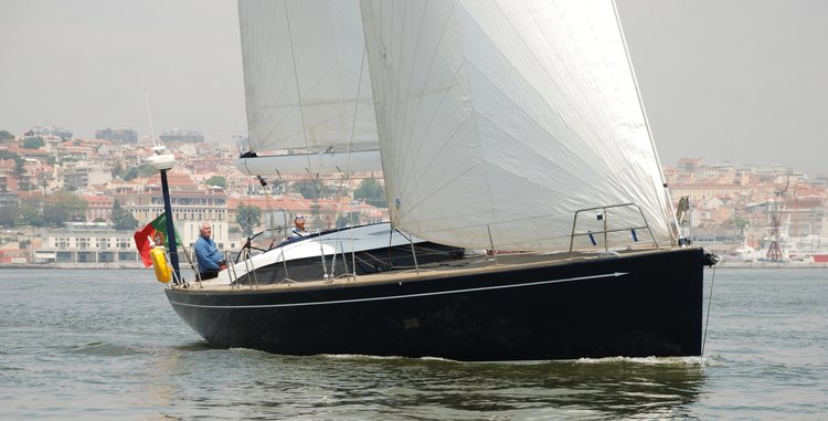 Boating is fun with a Cruiser racer in Alcantara