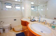 thumbnail-6 Azimut 100.0 feet, boat for rent in Miami Beach,