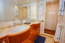 thumbnail-7 Azimut 100.0 feet, boat for rent in Miami Beach,