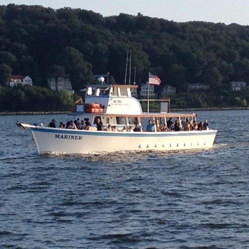 Boat rental in Atlantic Highlands, NJ