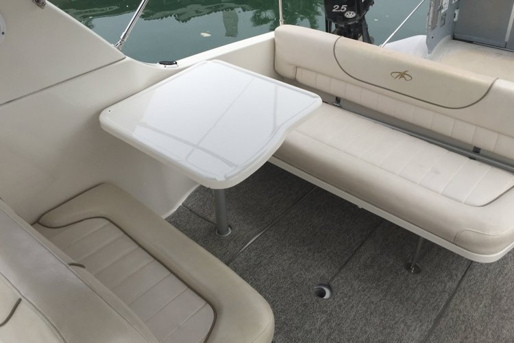 Discover Huntington Beach surroundings on this 302 Monterey boat
