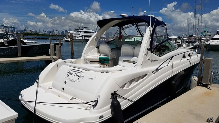 34' Sea Ray - Ready for a smooth ride and great entertainment