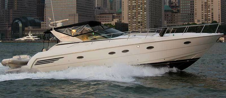 Experience NYC views aboard this luxurious yacht