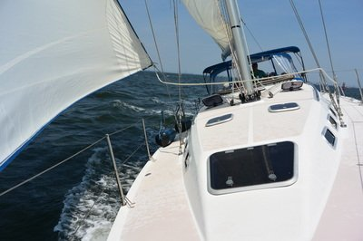 Sail the Highlands in this beautiful Catalina 380