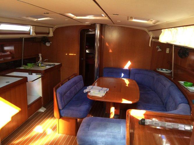 Cruiser boat rental in costa baja,