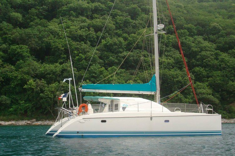 Sail on our catamaran in the carribbean