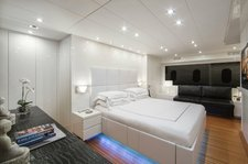 thumbnail-7 Cantieri Dell'Arno 101.0 feet, boat for rent in Miami,