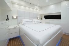 thumbnail-10 Cantieri Dell'Arno 101.0 feet, boat for rent in Miami,
