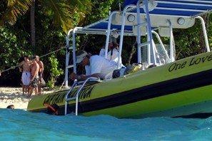 Discover St. Thomas surroundings on this Custom Custom boat
