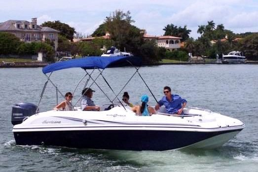 This 20.0' Hurricane cand take up to 5 passengers around North Bay Village