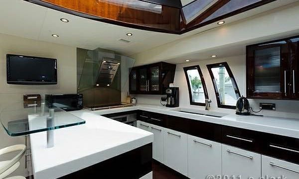 Discover Miami Beach surroundings on this LSX Lazzara boat