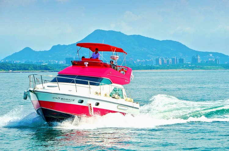 Boat for rent hsinghang 39.0 feet in Ta Chiao,