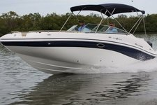 This Hurricane is perfect for sandbars or exploring Miami