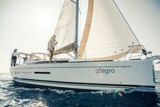 thumbnail-2 Dufour 38.0 feet, boat for rent in Vila do Porto, PT