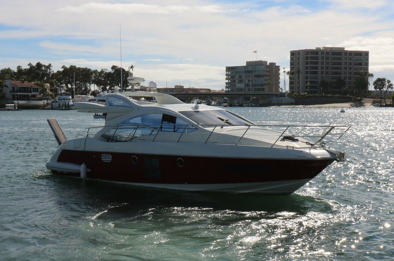 Motor 43 0 43 Azimut Boat Rental In Newport Beach 5640 Sailo