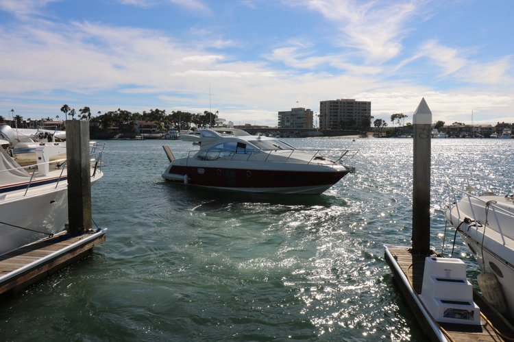 This 43.0' 43 Azimut cand take up to 10 passengers around Newport Beach