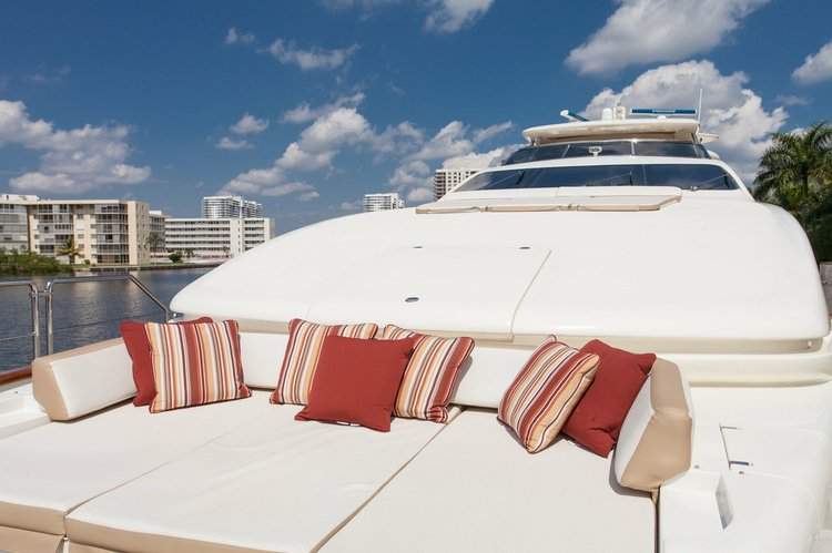 Boat rental in Aventura, FL