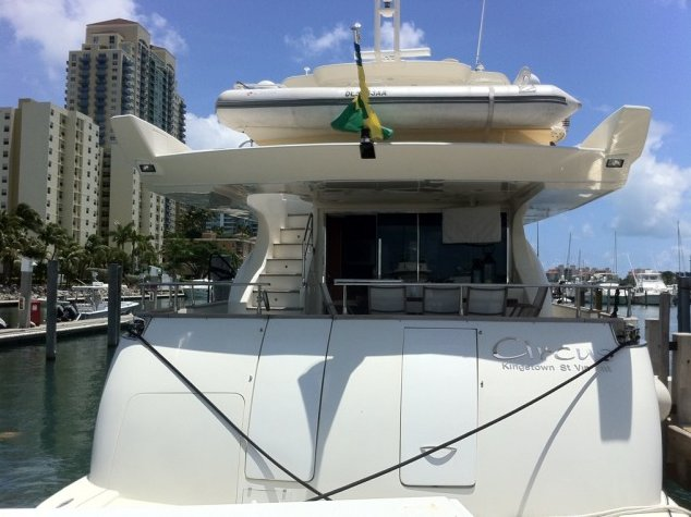 Rent A Azimut 80 Flybridge 80 39 Motorboat In Miami FL On Sailo