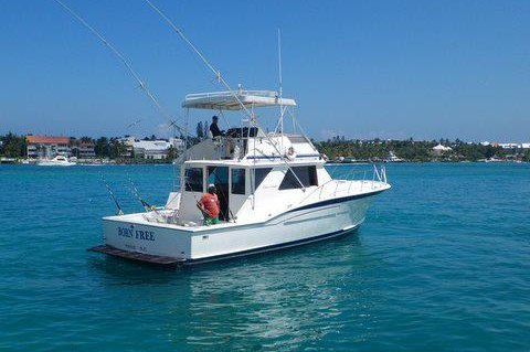 Chris Craft boat for rent in Nassau