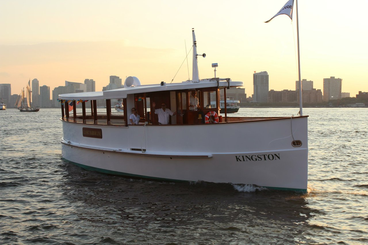 luxury boat rentals new york ny classic classic 972
