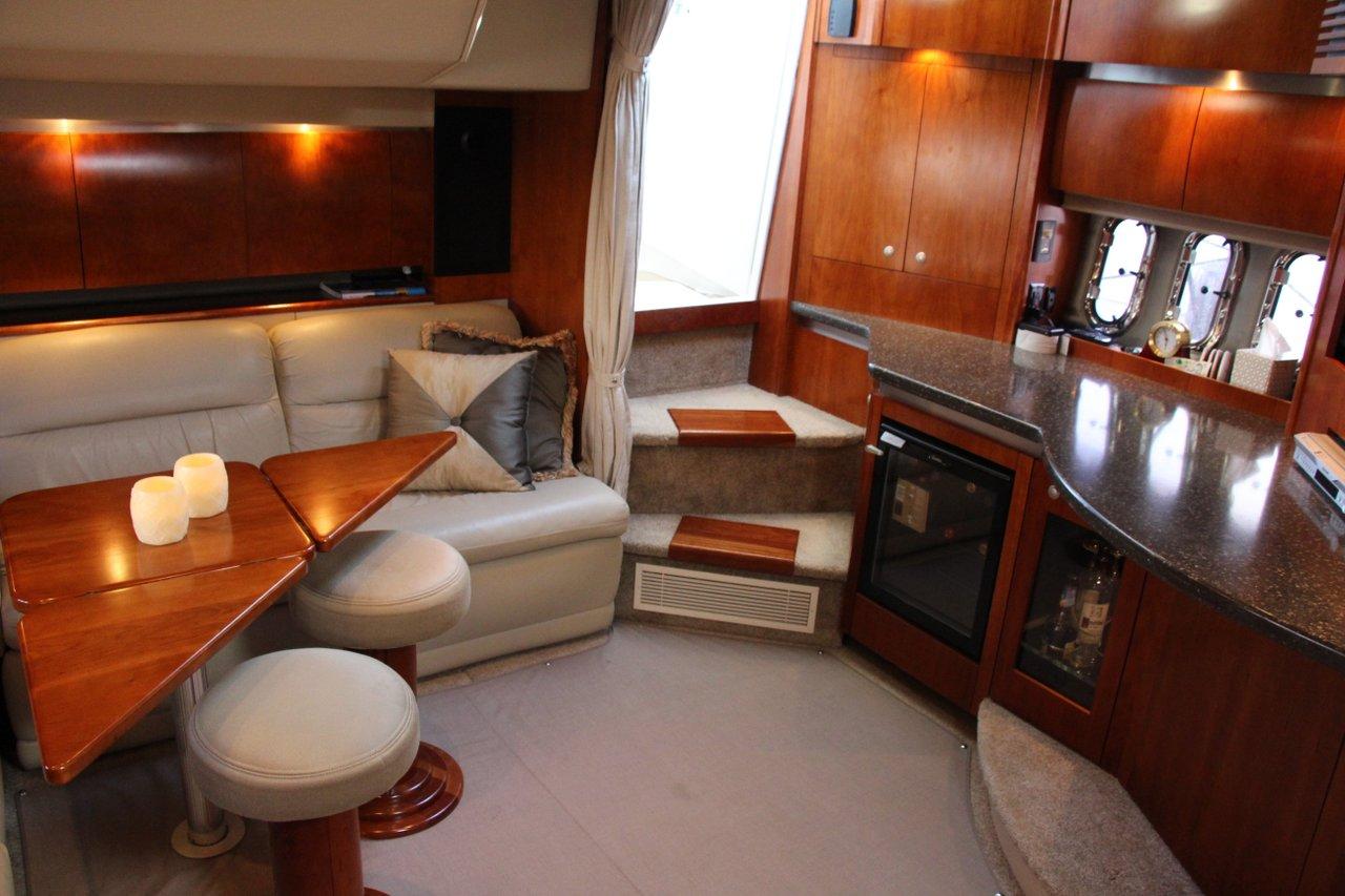 Luxurious 42 Cruisers Yacht