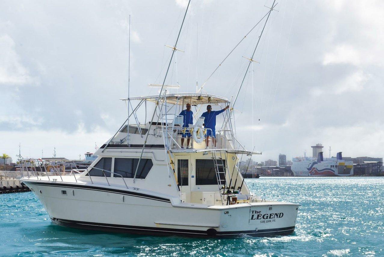 Luxury boat rentals san juan pr hatteras offshore sport for Puerto rico fishing