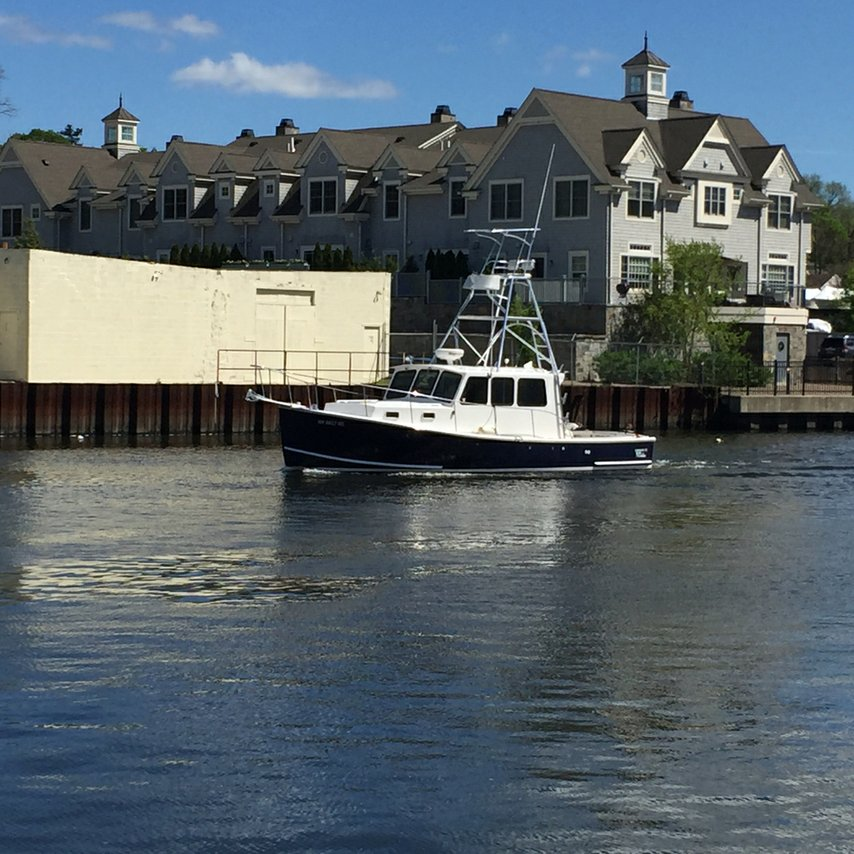 Port chester boat rental sailo port chester ny for Fishing boat rental
