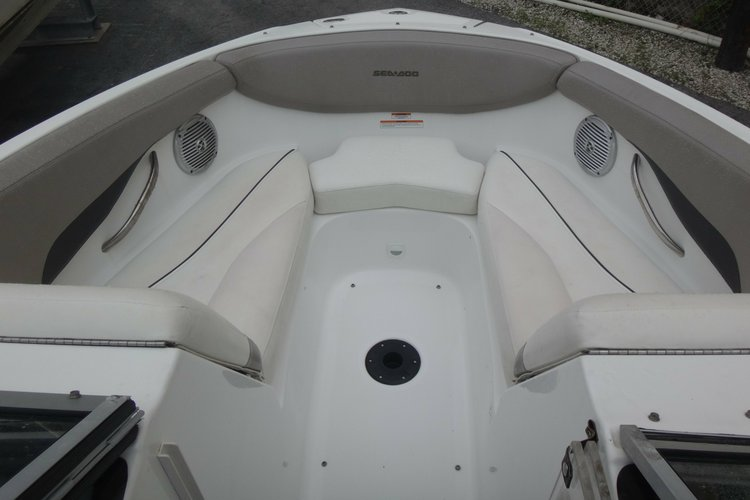 Discover North Miami surroundings on this challenger seadoo boat