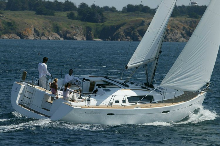 Boat for rent Beneteau 43.0 feet in Marina Santa-Cruz, Spain