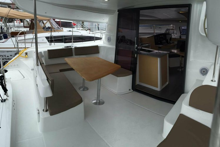 41.0 feet Fountaine Pajot in great shape
