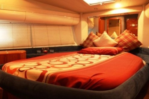 Discover Dubai surroundings on this Azimuth Italain boat