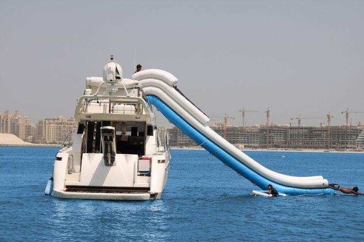 Italain's 52.0 feet in Dubai