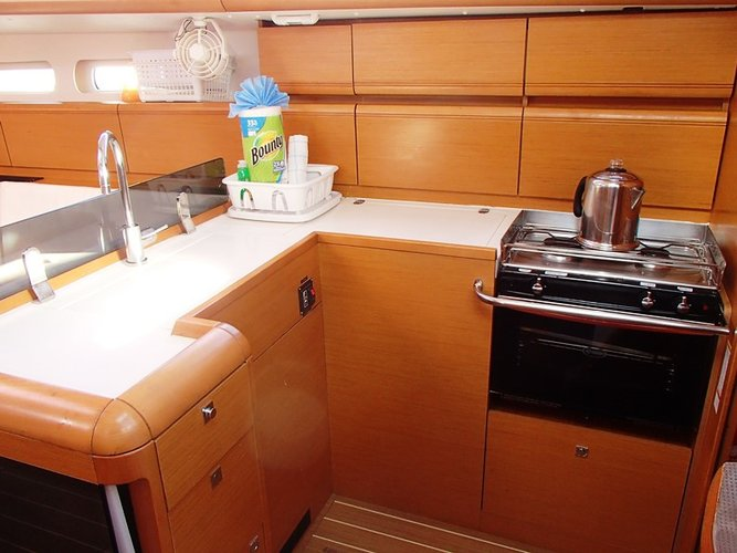 Boat for rent Jeanneau 41.0 feet in Fort Burt Marina,