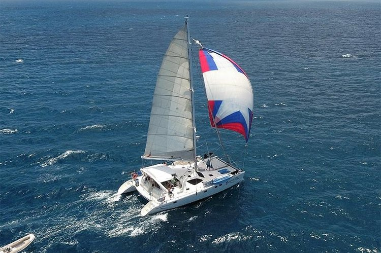 Sail / Dive Catamaran Braveheart in the Virgin Islands!