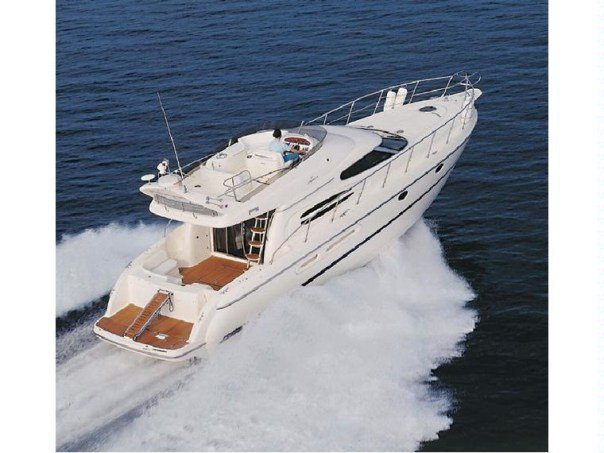 Cruise the Caribbean aboard a Beautiful Cranchi