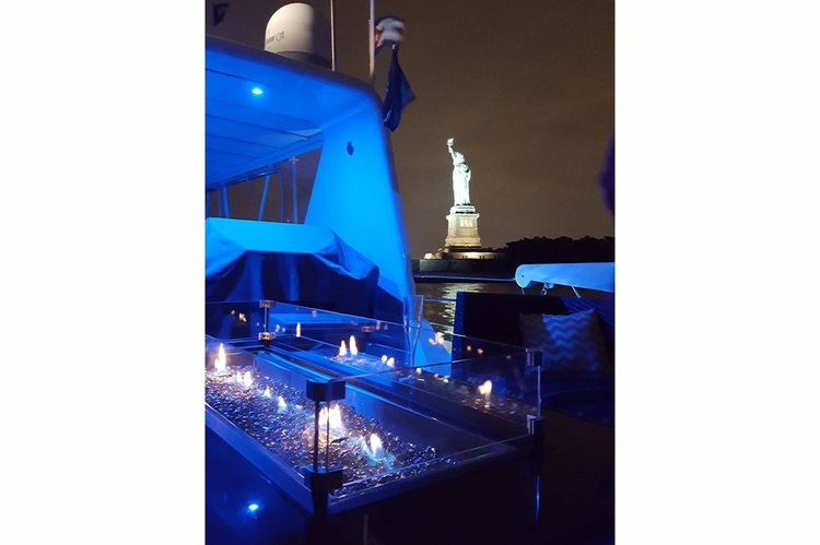 Boat rental in Jersey City, NJ