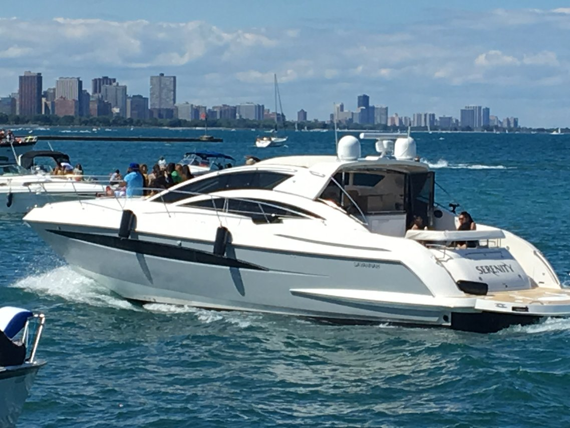 chicago boat rental sailo chicago il cruiser boat 5721