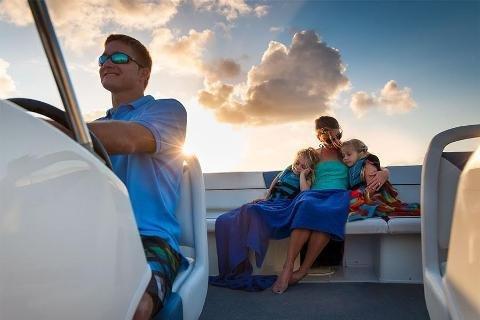 Bow rider boat rental in Miamarina at Bayside, FL