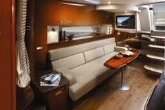 This 36.0' Sea Ray cand take up to 12 passengers around Miami