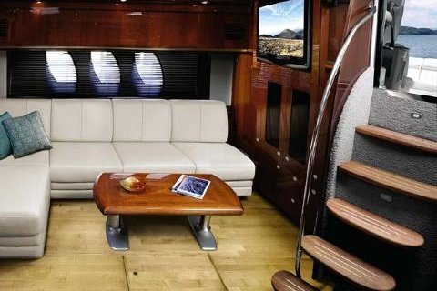 Discover Miami surroundings on this Sundancer 50' Sea Ray boat