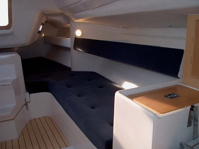 This 30.0' Justin yachts cand take up to 8 passengers around Zadar region