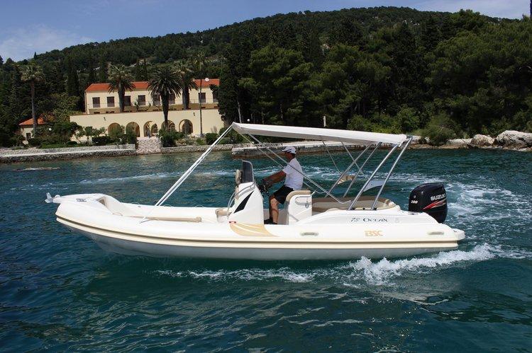 Rigid inflatable boat for rent in Hvar