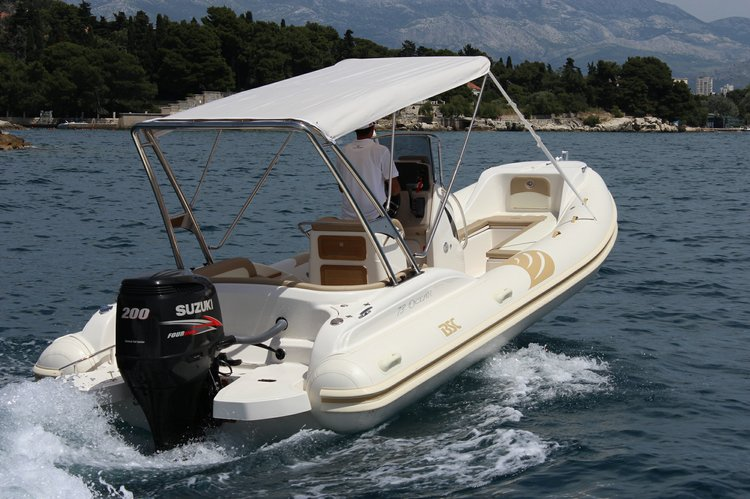 Boating is fun with a Rigid inflatable in Hvar