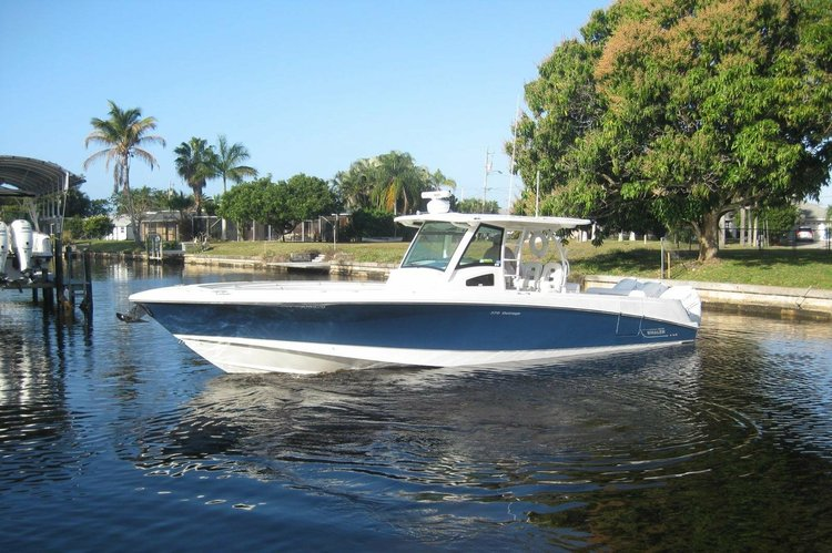 37.0 feet Boston Whaler in great shape