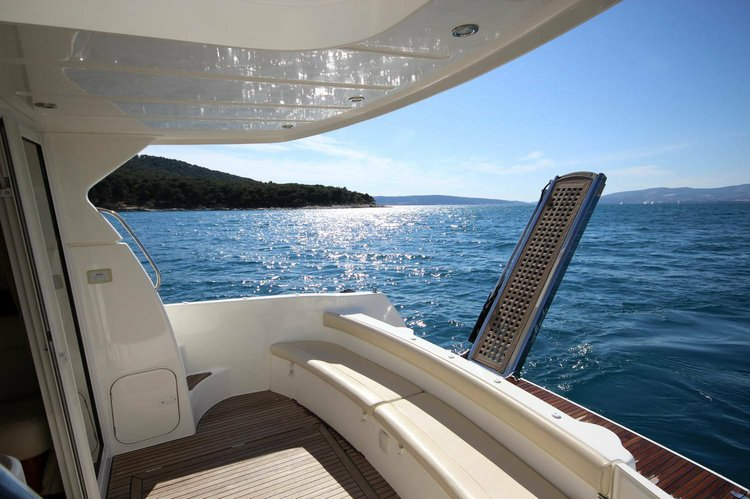 Jeanneau boat for rent in Hvar