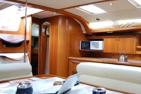 Cruiser boat for rent in Volos