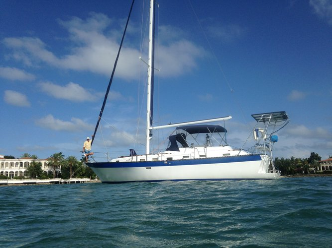 Most Comfortable sail boat for a group up to 6 ppl