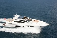 Enjoy the performance of this Sunseeker on French waters !