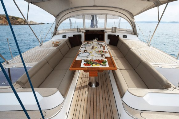 Cruiser boat rental in Antibes, France